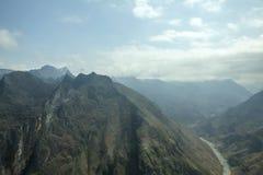 Nho阙河,河江市的,山领域在北越 免版税库存图片