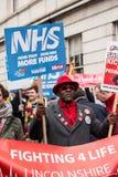 NHS dans la démonstration de crise, par Londres centrale, dans la protestation du sous-provisionnement et la privatisation dans N Photographie stock