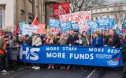 NHS dans la démonstration de crise, par Londres centrale, dans la protestation du sous-provisionnement et la privatisation dans N Photo stock