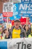 NHS dans la démonstration de crise, par Londres centrale, dans la protestation du sous-provisionnement et la privatisation dans N Photos stock