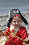 Niña bonita que juega a piratas Fotografía de archivo libre de regalías