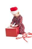 Niña con el regalo de Navidad Fotos de archivo libres de regalías