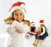 Niña con el sombrero de la Navidad imágenes de archivo libres de regalías