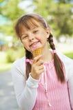 Niña con helado Imágenes de archivo libres de regalías