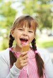 Niña con helado Fotografía de archivo