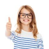 Niña con las lentes negras Imagen de archivo libre de regalías