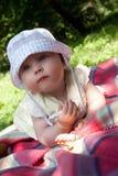 Niña, día de verano solar Fotos de archivo libres de regalías