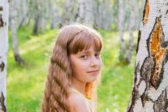Niña en el bosque Fotografía de archivo libre de regalías