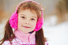 Niña en el invierno Niño al aire libre Imagen de archivo