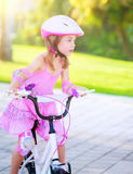 niña en la bicicleta Imagen de archivo