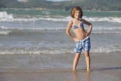 Niña en la playa Foto de archivo libre de regalías