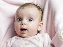 Niña linda con la cara divertida Fotografía de archivo libre de regalías