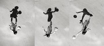 Niña que juega la sombra de la bola, sistema de imágenes Imagen de archivo