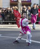 Niña que realiza los artes marciales - desfile chino del Año Nuevo, P Foto de archivo libre de regalías