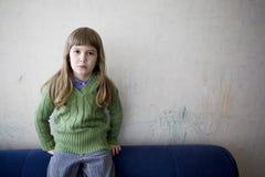 Niña sola triste Foto de archivo libre de regalías