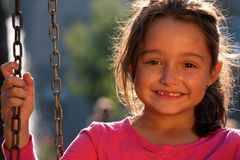 Niña sonriente Imágenes de archivo libres de regalías