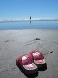 Niña y la playa imágenes de archivo libres de regalías