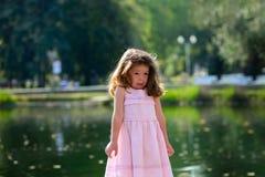 Niñez feliz, cuando los días de fiesta Fotografía de archivo libre de regalías