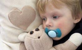 Niño cansado Foto de archivo libre de regalías