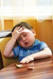 Niño cansado enfermo Fotografía de archivo libre de regalías