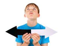 Niño con dos flechas Foto de archivo libre de regalías