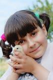Niño con el pollo Fotos de archivo