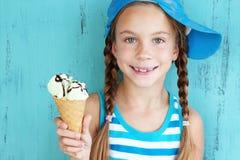 Niño con helado Foto de archivo libre de regalías
