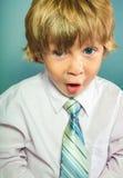 Niño con la expresión asombrosa Fotografía de archivo libre de regalías