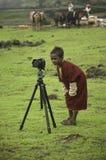 Niño curioso del nómada imagenes de archivo