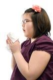 Niño de estornudo Foto de archivo