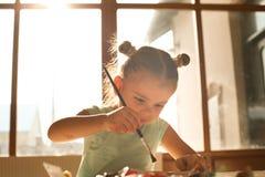 Niño de la creatividad Foto de archivo libre de regalías
