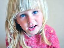 Niño de la sonrisa Fotos de archivo