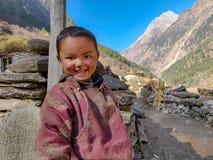 Niño de Sherpa imagenes de archivo