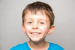 Niño de Smilling fotografía de archivo