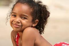 Niño del afroamericano en una playa Fotografía de archivo libre de regalías