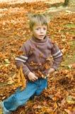 Niño del otoño Fotografía de archivo