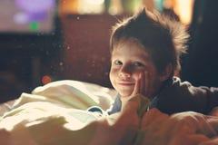 Niño despierto Imágenes de archivo libres de regalías