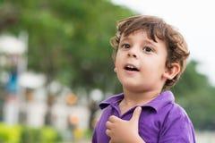 Niño emocionado Foto de archivo libre de regalías