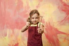 Niño en delantal del cocinero fotos de archivo
