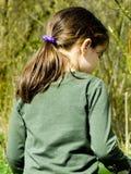 Niño en el bosque Foto de archivo libre de regalías