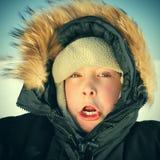 Niño en el invierno Fotografía de archivo