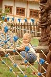 Niño en el patio. Imágenes de archivo libres de regalías