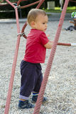 Niño en el patio Fotografía de archivo