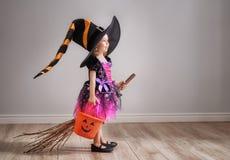 Niño en Halloween imagen de archivo libre de regalías