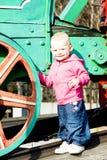 Niño en la máquina del vapor Foto de archivo libre de regalías