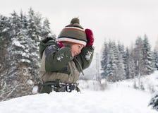 Niño en nieve Fotos de archivo libres de regalías