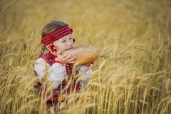Niño en traje nacional ucraniano Fotografía de archivo