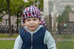 Niño feliz alegre alegre Foto de archivo libre de regalías
