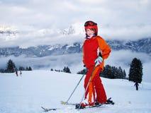 Niño feliz en deporte de invierno Foto de archivo libre de regalías