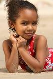 Niño feliz en una playa Imagen de archivo libre de regalías